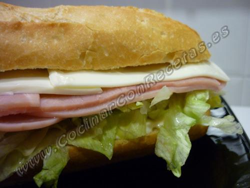 cocinar-con-recetas-bocadillos-y-sandwich-bocadillo-vegetal-de-york-y-queso-1.jpg