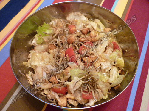 cocinar-con-recetas-ensaladas-ensalada-de-gulas-al-ajillo-1.jpg
