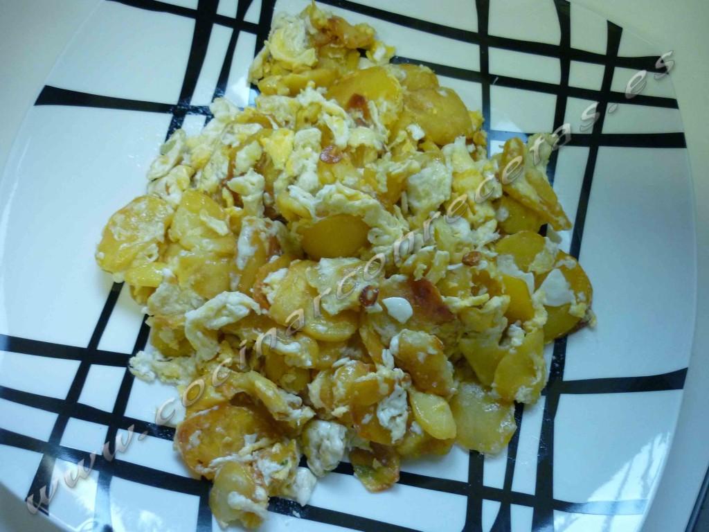 cocinar-con-recetas-patatas-patatas-revueltas-con-huevo-de-mi-madre-2.jpg