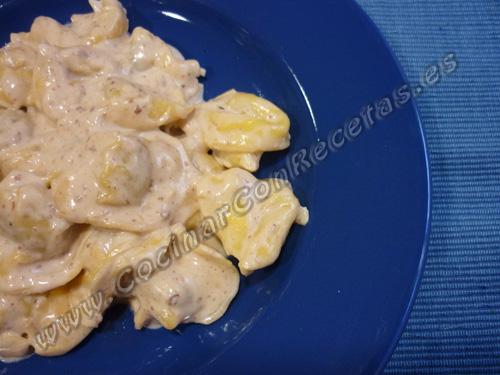 cocinar-con-recetas-pasta-tortellinis-frescos-rellenos-de-carne-con-salsa-de-pate-de-foie-gras-2.jpg