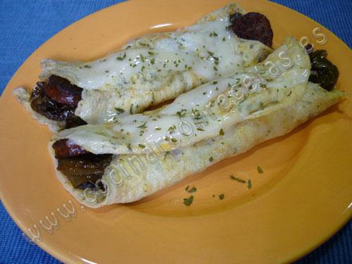 cocinar-con-recetas-entrantes-rollitos-de-tortilla-rellenos-de-chorizo-y-pimientos-2.jpg