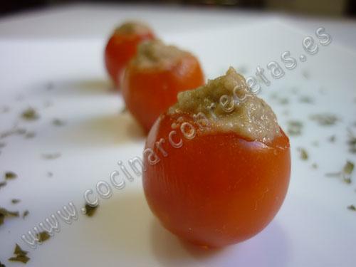 cocinar-con-recetas-aperitivos-y-tapas-tomatitos-cherry-rellenos-de-pate-de-berenjena-1.jpg
