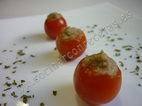 cocinar-con-recetas-aperitivos-y-tapas-tomatitos-cherry-rellenos-de-pate-de-berenjena-2.jpg