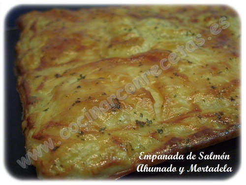 cocinar-con-recetas-hojaldre-empanada-de-salmon-ahumado-y-mortadela-1